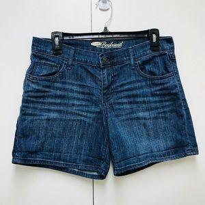 Old Navy Boyfriend women's style jean shorts size4